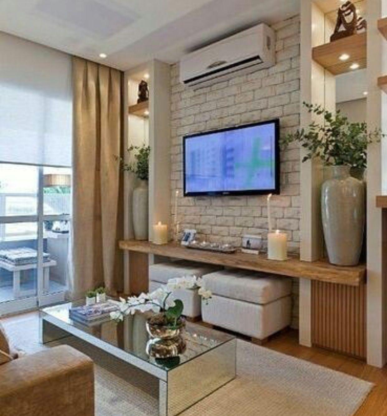 Стенка для ТВ с боковыми открытыми пеналами